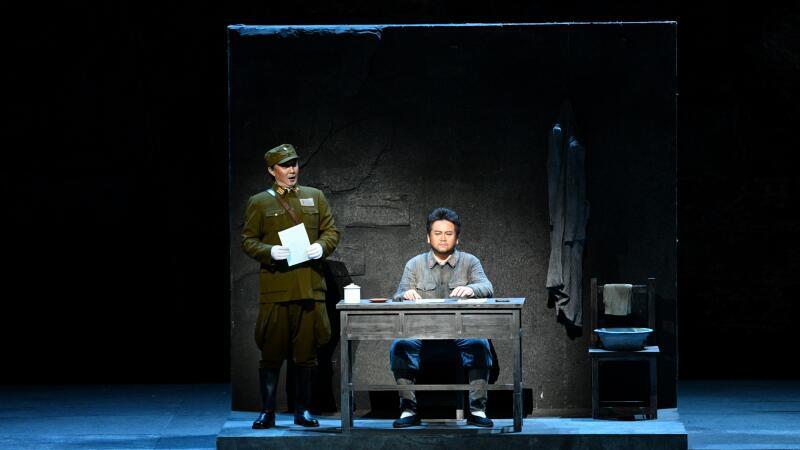 《方志敏》以方志敏同志与国民党军法处长胡翼在狱中的较量为主线凌风/摄