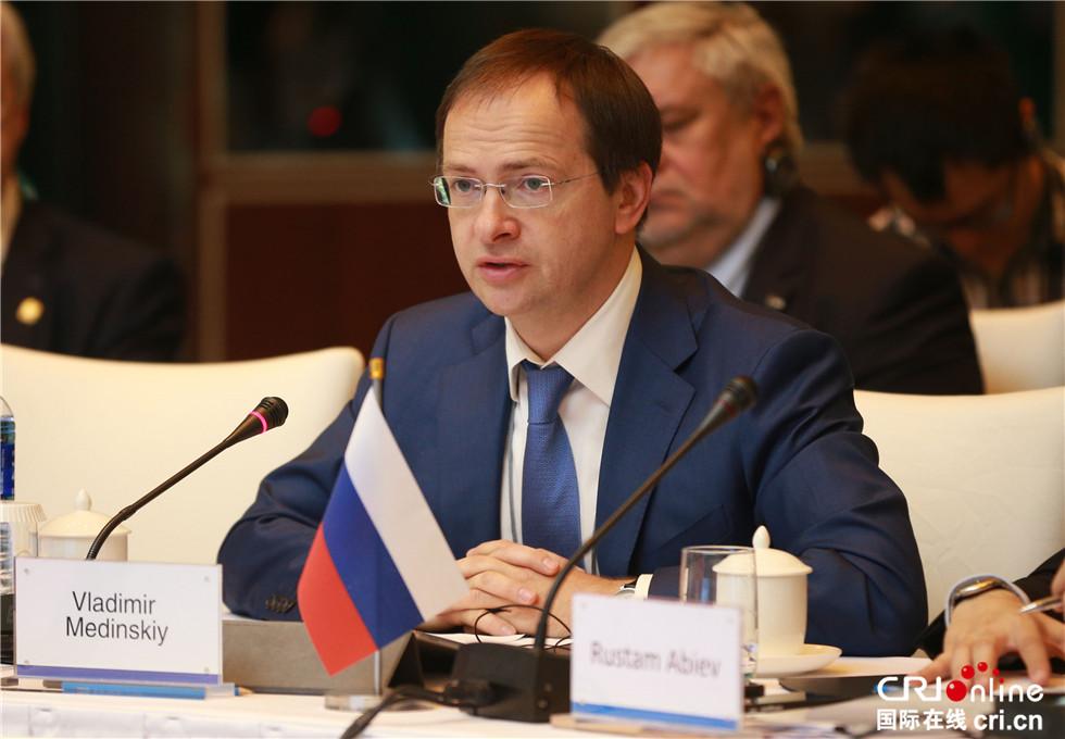 俄罗斯文化部长 弗拉基米尔·梅津斯基