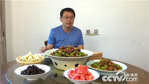 [兴发娱乐官网首页]田勇:一道辣子鸡扭转命运,一年卖了1500万