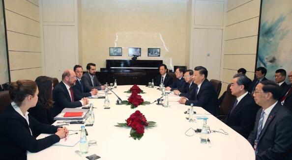 7月6日,国家主席习近平在柏林会见德国社会民主党主席舒尔茨。