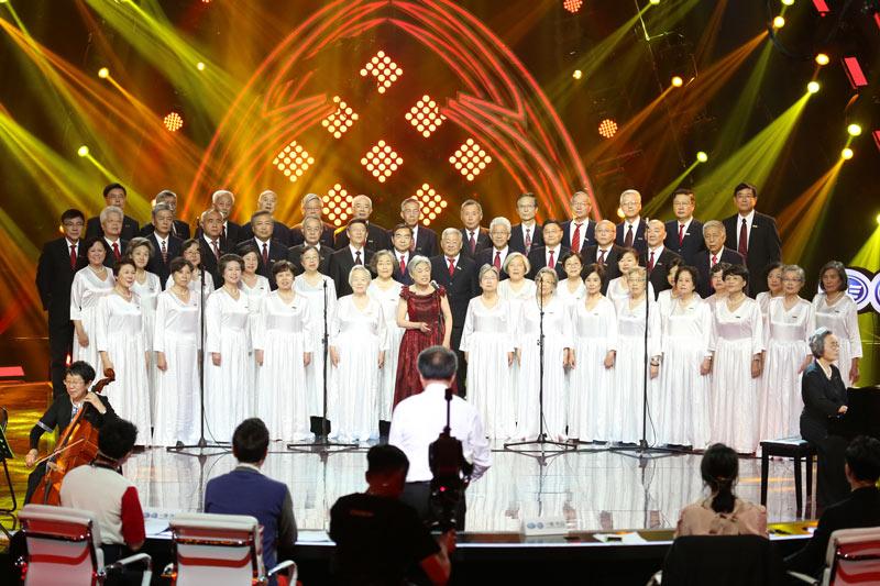 高龄的清华大学校友合唱团