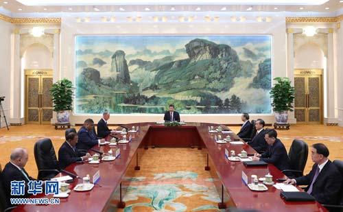 7月28日,国家主席习近平在北京人民大会堂集体会见来华出席第七次金砖国家安全事务高级代表会议的俄罗斯联邦安全会议秘书帕特鲁舍夫、南非国家安全部长马洛博、印度国家安全顾问多瓦尔、巴西总统府机构安全办公室主任埃切戈延。新华社记者 丁林 摄