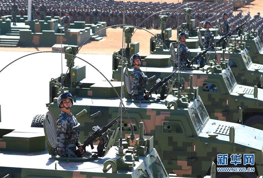 图为受阅部队(图片来源:新华网)