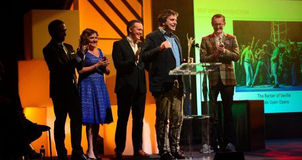 费格斯·谢勒在Wide Open Opera创排的《塞维利亚的理发师》获得2017爱尔兰时报/ESB爱尔兰戏剧奖后发表获奖感言