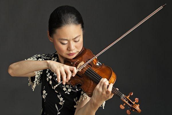 著名小提琴家宓多里