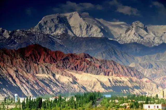 八月,新疆这15个地方正美,都是大片的既视感!