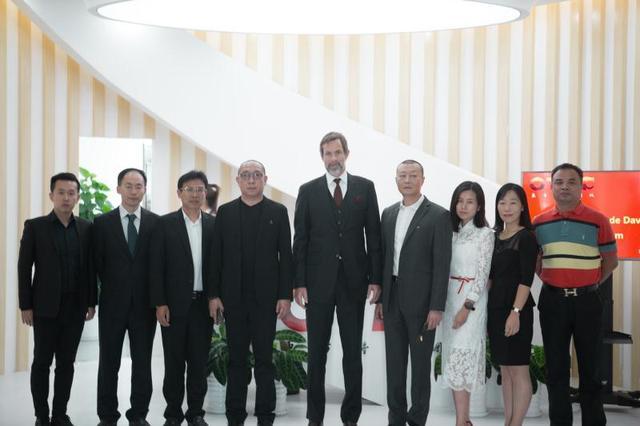 华桦传媒与维亚康姆高层会谈全面深化战略合作