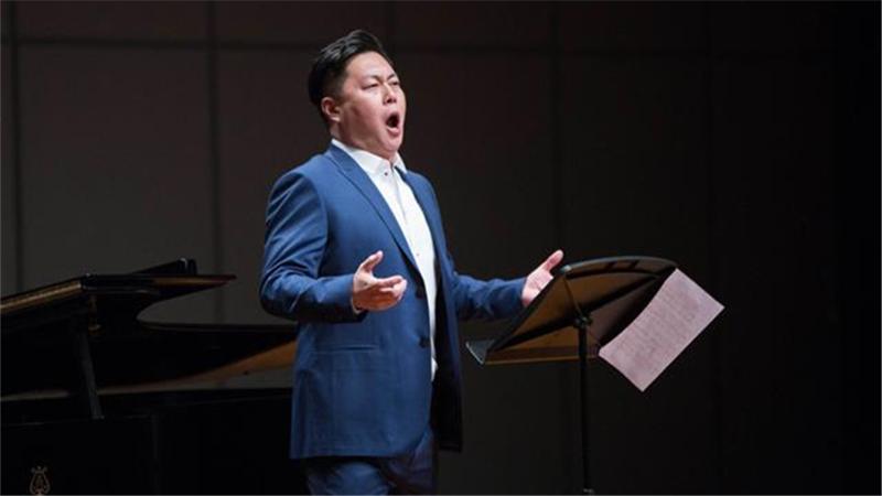 2017年4月,刘嵩虎、李欣桐、金郑建等歌唱家携手为观众带来了一场马勒、贝尔格和勋伯格作品音乐会