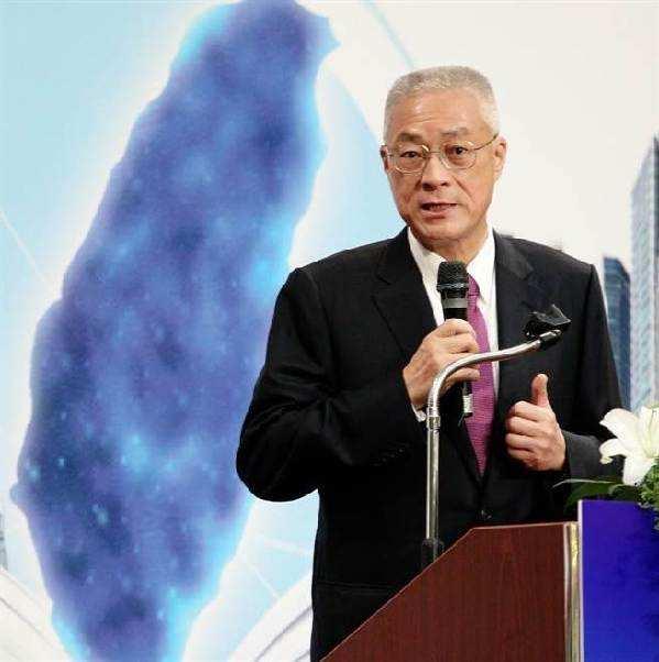 吴敦义今天核定并公布国民党22县市党部新任主委名单,这是吴敦义上任后的首波重要人事安排,突显其借重地方县市人才的思路。