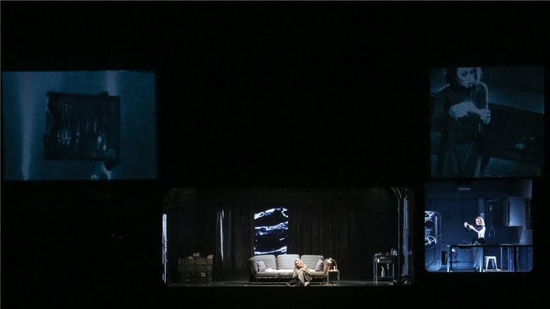 监控摄像头将伊索尔德与布兰甘特的行动即时呈现在观众面前 王小京/摄