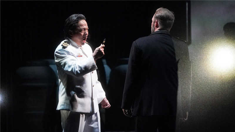 多次饰演马克国王的李晓良唱演俱佳,获得了观众热烈的掌声 王小京/摄