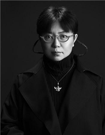 《聆听弘一》导演田沁鑫 张罗平/摄