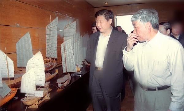 2001年4月,习近平总书记(时任福建省委副书记、省长)到泉州海外交通史博物馆考察。