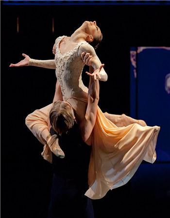 [《安娜·卡列尼娜》、《罗丹》两部巨制尽显人体艺术极限之美