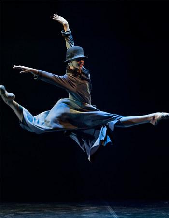 舞剧《罗丹》以罗丹及其爱徒、情人和灵感缪斯卡米耶·克洛岱尔为主题,讲述了他们传奇的生活和艺术创作历程。