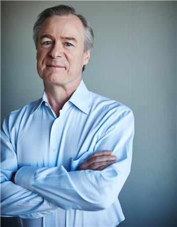 悉尼交响乐团首席指挥兼艺术总监大卫·罗伯森