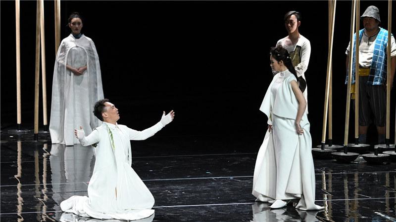 2017年4月戏剧场话剧《仲夏夜之梦》剧照 凌风/摄