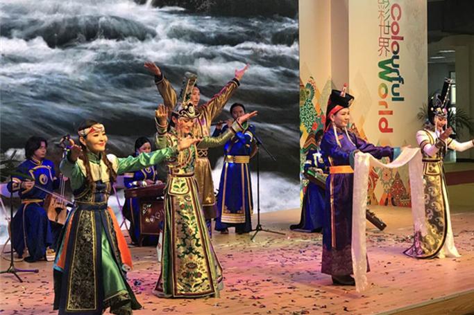 The Mongolian dance show. (Photo/ Qian Ding)
