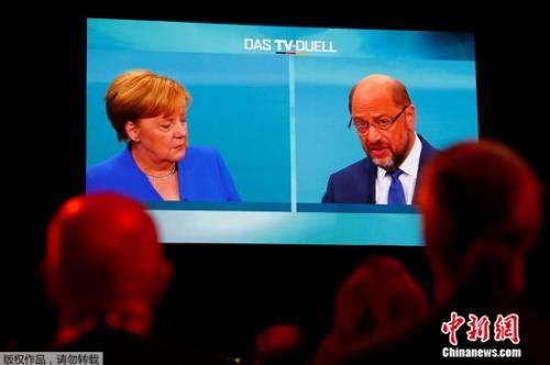 9月3日,默克尔与舒尔茨进行电视辩论。