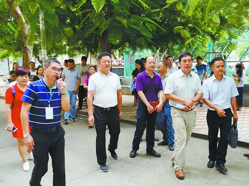 湖里区人大代表联系群众活动点建设现场会在吕岭社区召开。