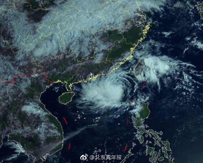 用 微信启动图片将换成我国卫星成像图_厦门广
