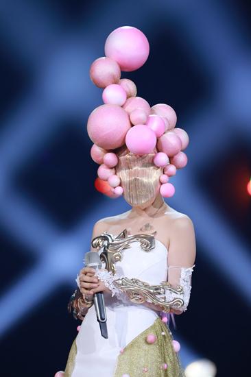 [《蒙面唱将》疑现经典甜歌皇后 被猜杨钰莹