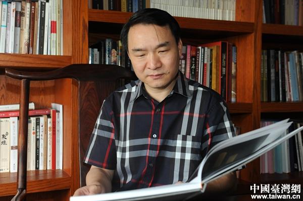 中国玉石雕艺术大师郑幼林。(主办方供图)
