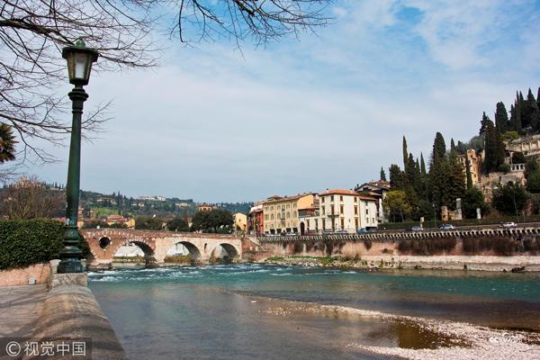 意大利。维罗纳。阿迪杰河。
