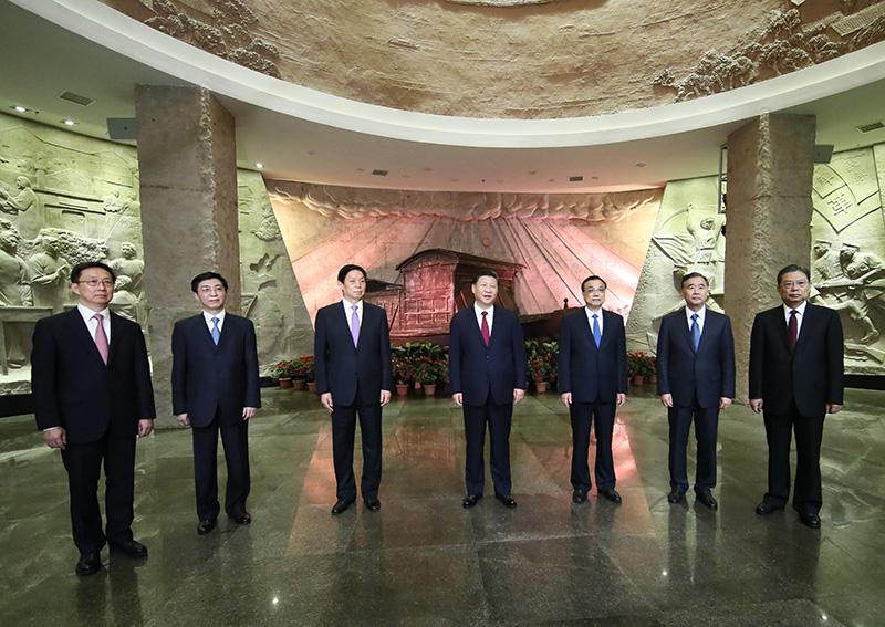 31日下午,习近平在南湖革命纪念馆参观结束时发表重要讲话。新华社记者 兰红光 摄