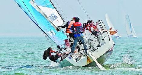 帆船体验活动吸引市民和游客