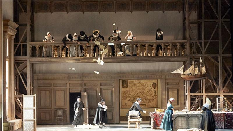 《法斯塔夫》展现了一场英国贵族间的整蛊闹剧