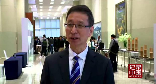 受访者:胡占凡 中国文学艺术联合会副主席、中国电视艺术家协会主席