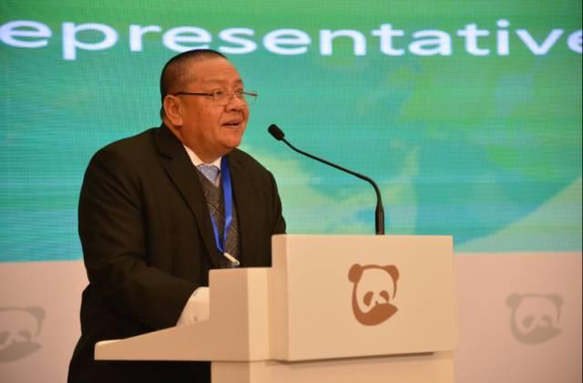 柬埔寨政府代表,肯·顾那瓦