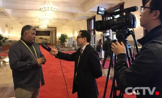西语频道外籍记者十九大现场采访