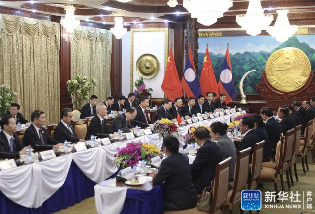 11月13日,中共中央总书记、国家主席习近平在万象国家主席府同老挝人民革命党中央委员会总书记、国家主席本扬举行会谈。新华社记者 丁林 摄