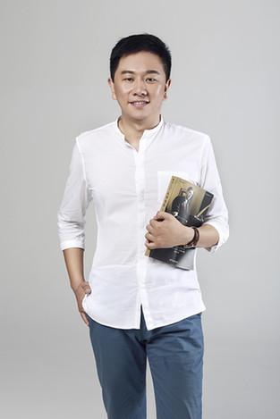 青年导演李响首部微诗集《因为理想》出版