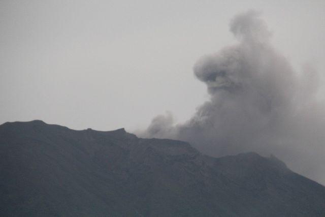 ↑火山爆发
