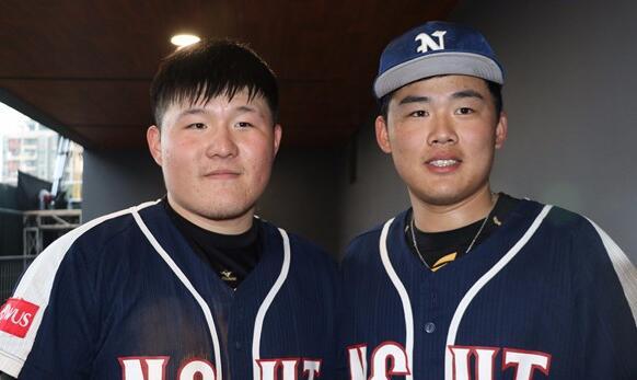 台湾球员赖冠程(左)与连庭玮(右)在比赛中都有着不错的发挥。