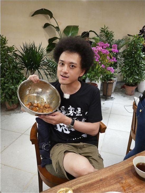 《青春旅社》王源景甜做美食欢乐多 李小璐显身手【13】