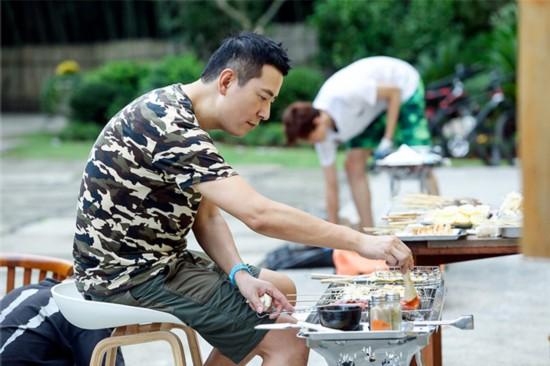 《青春旅社》王源景甜做美食欢乐多 李小璐显身手【8】