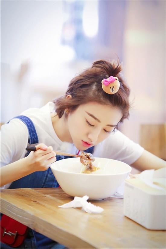 《青春旅社》王源景甜做美食欢乐多 李小璐显身手【11】