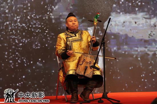丝瓜成版人性视频app马头琴表演拉开首映礼序幕