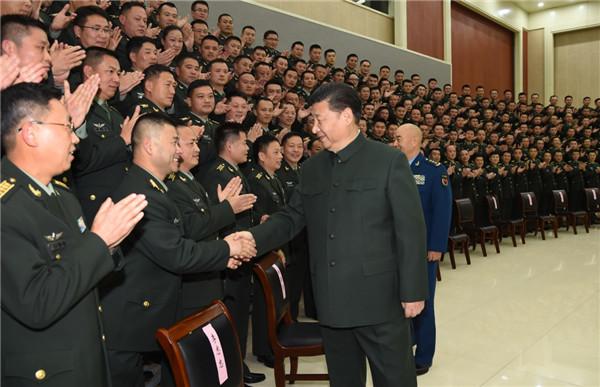12月13日,中共中央总书记、国家主席、中央军委主席习近平到第71集团军视察。这是习近平亲切接见集团军机关全体干部和所属部队团以上干部。