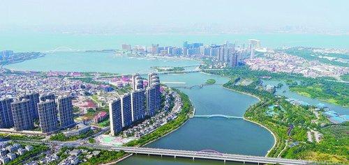 湖里区的城市环境整治提升工作,实现了城区每一个角落的精细管理和提升。图为五缘湾美景。