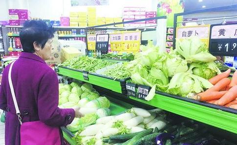几天寒雨天气后,我市蔬菜价格稳定,供应充足