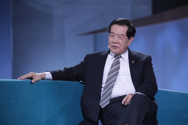 李昌钰,华裔美国人,生于江苏如皋,台湾中央警官学校毕业,美国纽约
