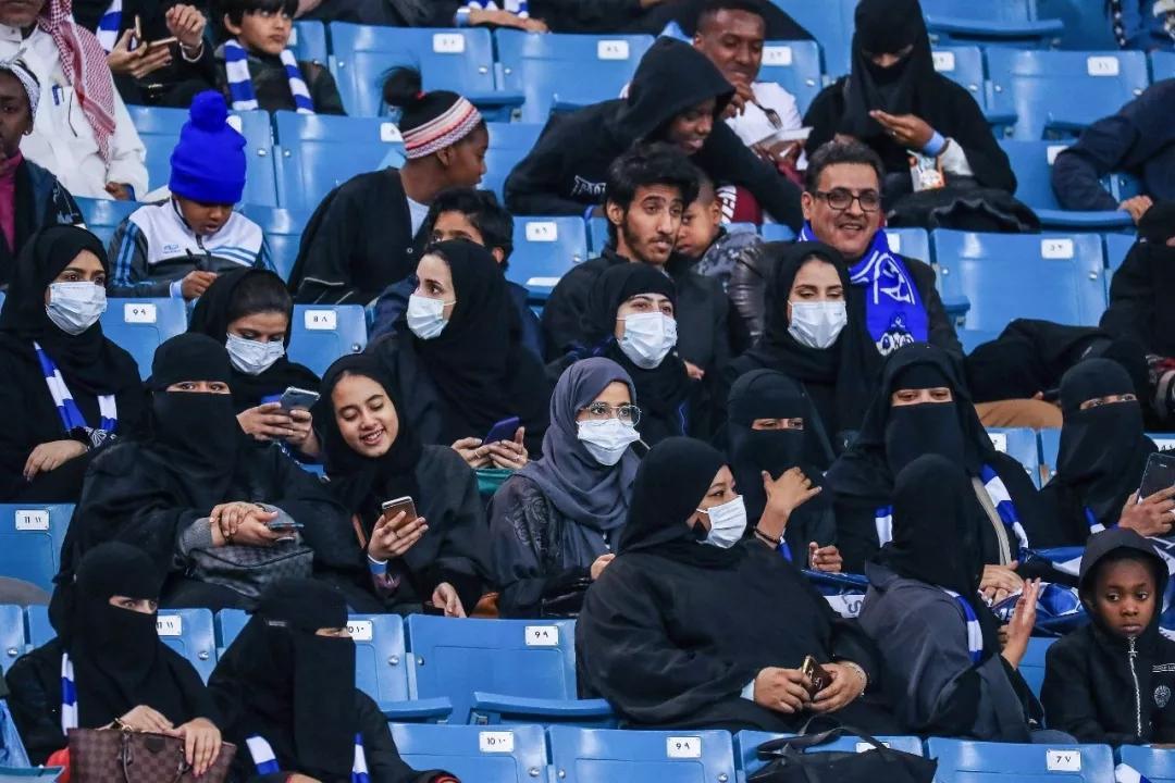 沙特足球联赛_西班牙足球甲级联赛2015_沙特足球超级联赛排名