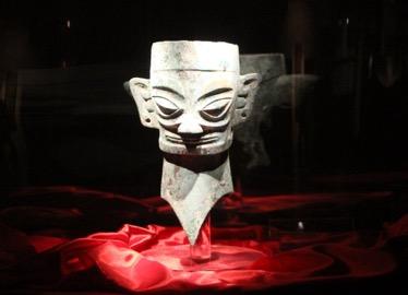 三星堆遗址出土的青铜面具