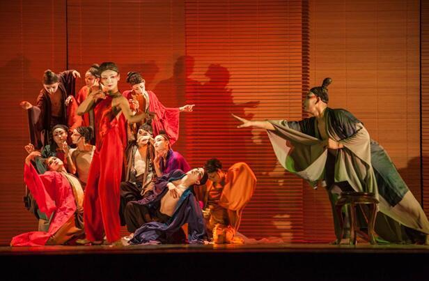 场舞春天里的故事_闪耀春天的舞蹈佳作,探索古典与当代的虚弥之姿