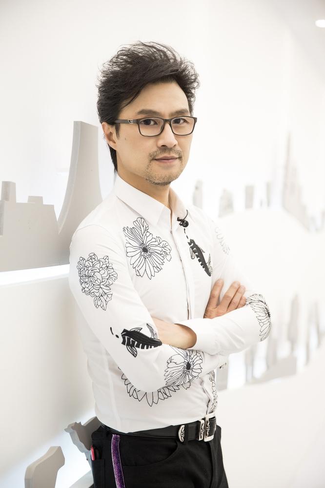 """[网曝汪峰""""儿时""""故事 引社交网站怀旧热潮"""